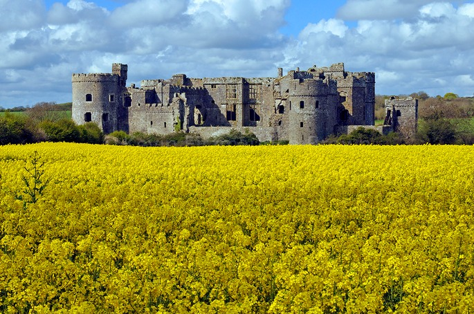 CAREW CASTLE, WALES, UK.
