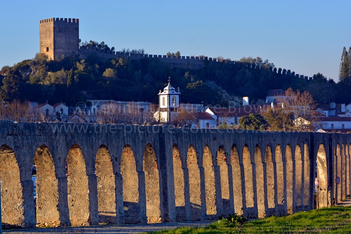 OBIDOS TOWN AND CASTLE AQUADUCT ARCHES