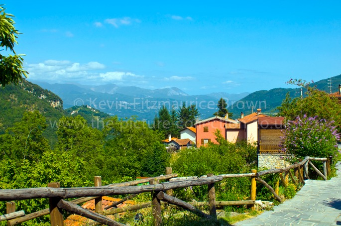 HIGH IN THE TUSCAN MOUNTAINS THE VILLAGE OF VERGEMOLI
