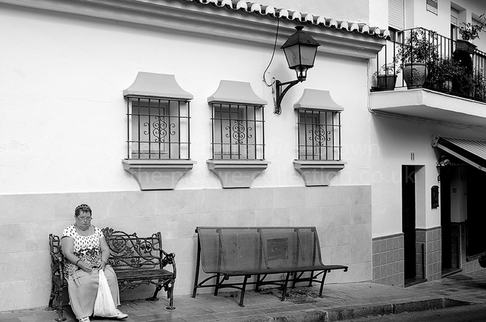 WHITE WALLS AND HOUSES IN THE BEAUTIFUL SPANISH TOWN OF OJEN